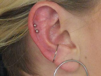 double cartilage helix piercing
