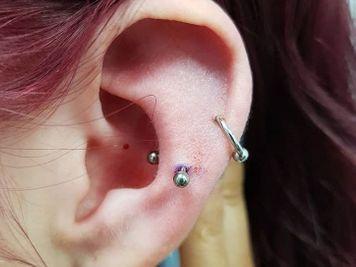ear snug piercing
