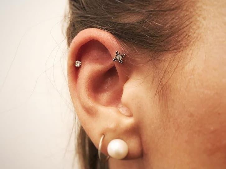 helix forward piercing