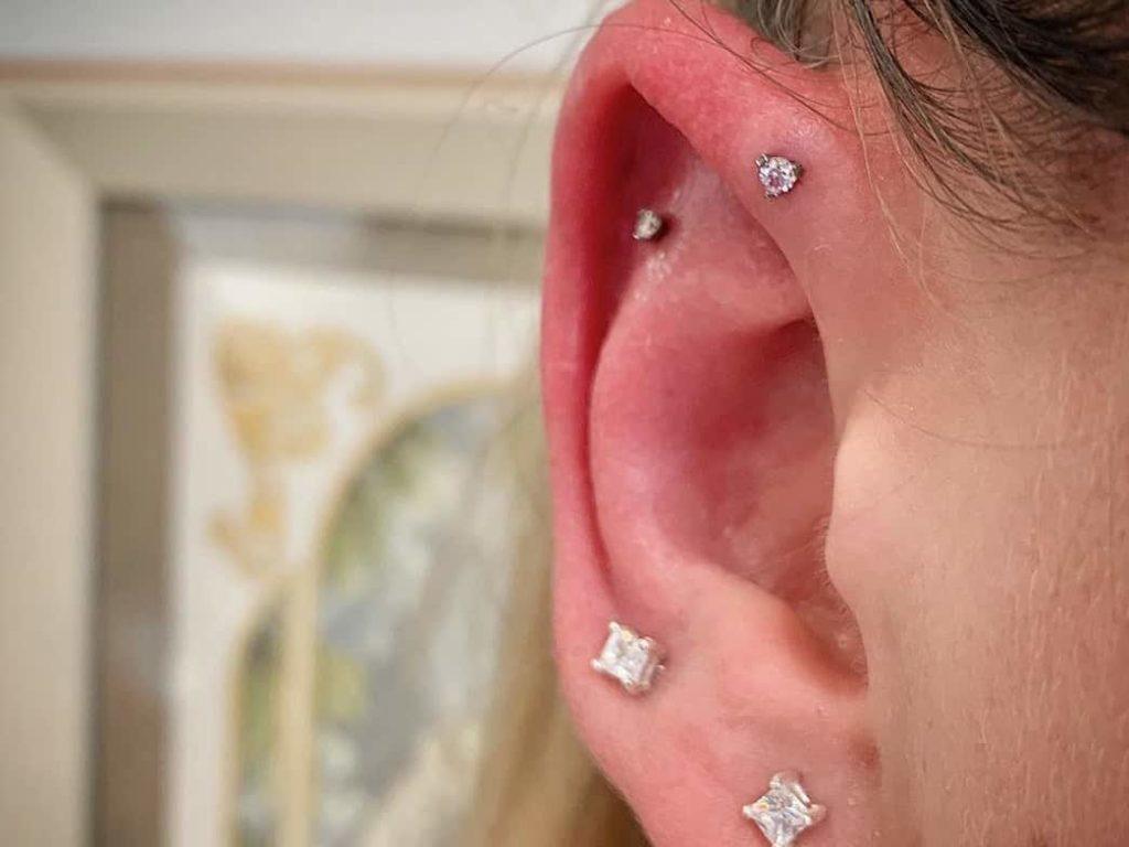 earlobe piercing