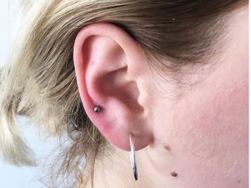 lobe and auricle piercing