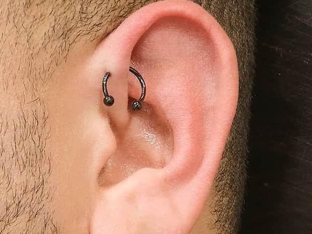men forward helix piercing