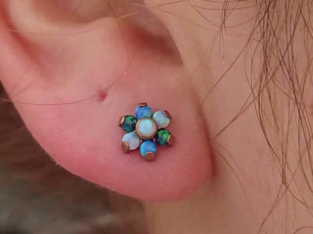 new style ear lobe piercing