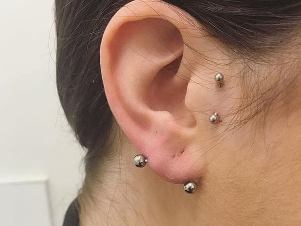 transverse lobe piercing pain