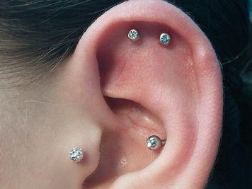 upper double cartilage piercing