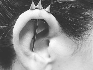 what is a trident piercing